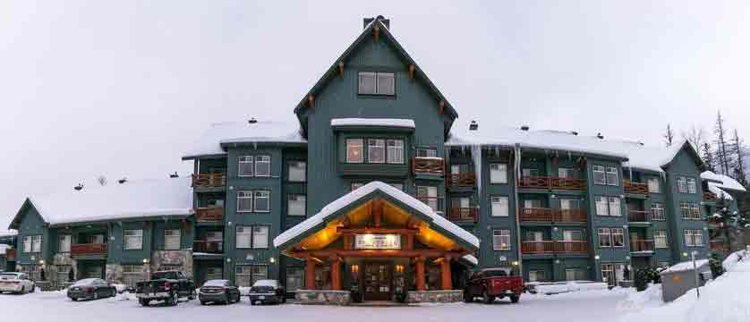 canada_fernie_snow-creek-lodge_exterior.jpg